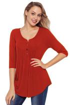 红色3/4袖纽扣细节百褶上衣