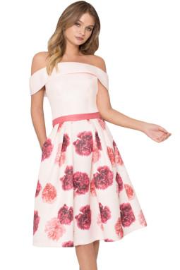 粉色露肩喇叭形碎花连衣裙