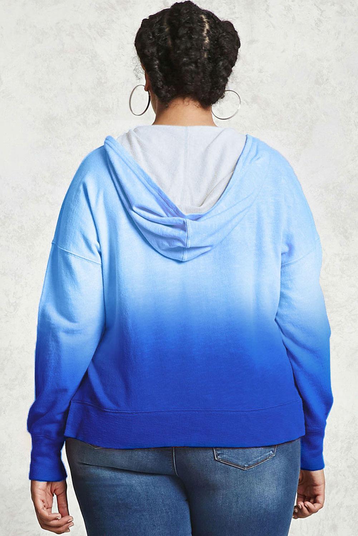 蓝色渐变袋鼠口袋侧开衩大码宽松连帽衫 LC252754